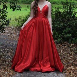 Red Sherri Hill Dress style 51822❤️